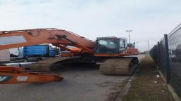 DOOSAN DX 530 LC3 tracked excavator