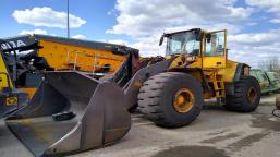 Volvo L220E wheel loader