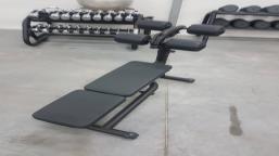 Ławeczka do ćwiczenia nóg CRUNCH BENCH - ELEMENT+  TECHNOGYM