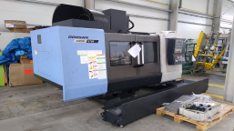 CNC DOOSAN DNM 5700 CNC machining center