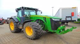 JOHN DEERE 8360 LR agricultural tractor