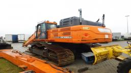 DOOSAN DX530LC-3 tracked excavator