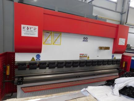 Zenith Machines WC67Y press brake