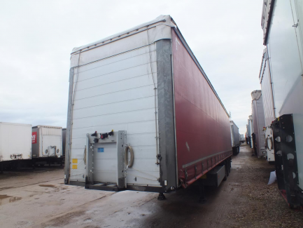 AUCTION OF THE DAY SCHMITZ CARGOBULL SCB*S3T Curtain trailer