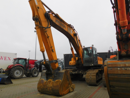 Hyundai Heavy Industries CO tracked excavator. LTD. R500LC - 7A