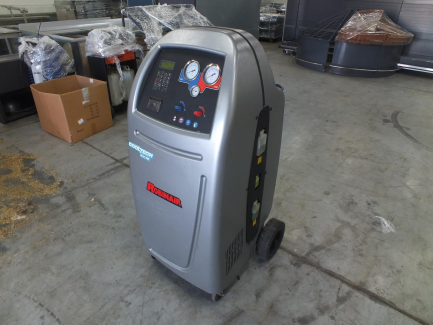 Workshop equipment (air conditioning punching station, brake fluid change device, oil change device in ATF boxes)