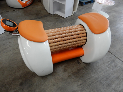 A set of fitness equipment designed for body shaping.