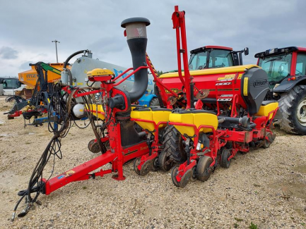 Single-grain sowing machine for maize VADERSTAD TEMPO F8