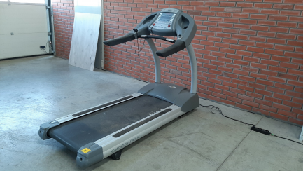 5x treadmill, 5x elliptical cross trainer, 5x stationary bike, 5x horizontal bike