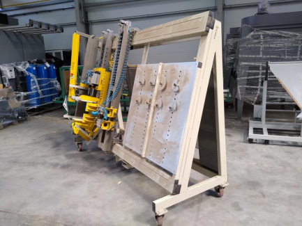 Pneumatic press for mounting PMJ-SZ drawers