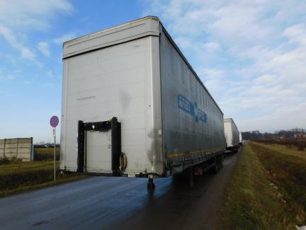 AUCTION OF THE DAY KÖGEL SN24 Curtain trailer