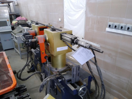 Giętarka hydrauliczna Jiangsu Hefeng Mechanical Making Co., Ltd. (Chiny) SW40A