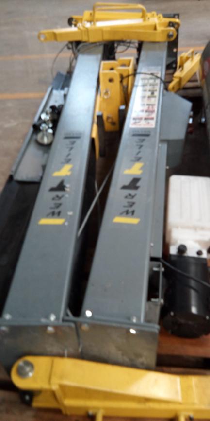 Podnośnik dwukolumnowy elektro-hydrauliczny WERTTEILE WRX 880, udźwig 4T