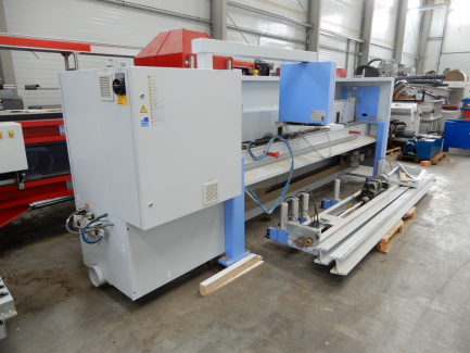 Horizontal panel saw with a pressure beam for cutting wood-based panels HOMAG OPTIMAT HPP130 / 32/32
