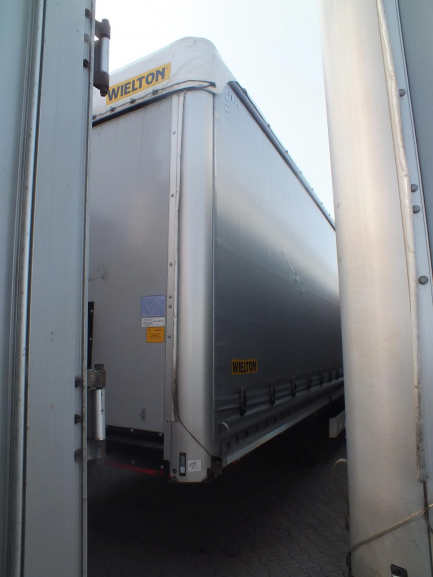 WIELTON NS-3 Curtain trailer