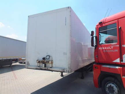 SCHMITZ SKO24 isothermal semi-trailer