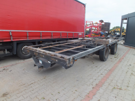 Box and curtain trailer with central axles WIELTON PC2