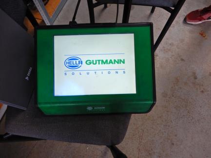 Hella Gutmann Solutions Mega Macs 66 diagnostic tester