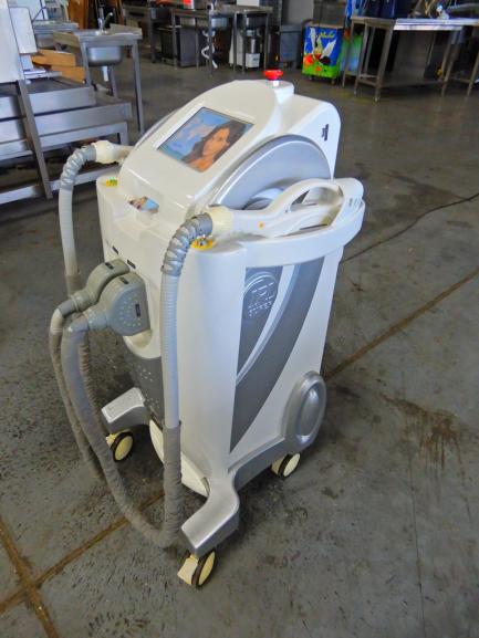 Urządzenie do zabiegów fotoodmładzających Lotus Global Co., Ltd. HS-320C