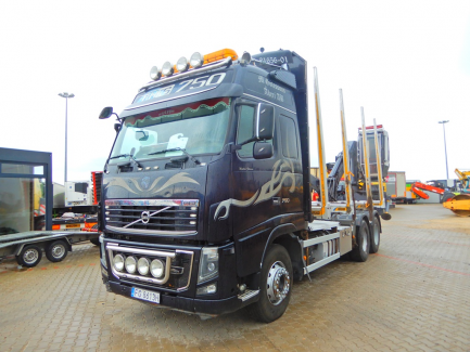 AUCTION OF THE DAY Volvo FH 16 700 6x4 Globetrotter Euro 5 with BERGS FOGEN timber body with JONSERED 1080 crane