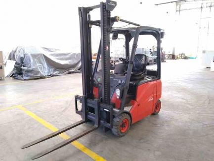 Wózek jezdniowy podnośnikowy elektryczny FENWICK-LINDE E16PH-01