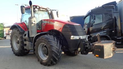CASE Magnum 340 NFC farm tractor