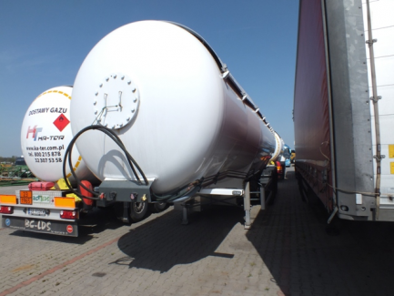 Tanker semi-trailer - Class 2 according to ADR (gases) BC-LDS NCG-48