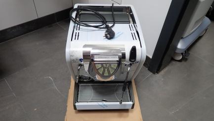 Pressure coffee machine NUOVA SIMONELLI Musica AD LUX