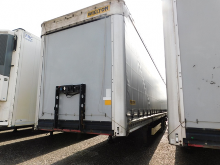 AUCTION OF THE DAY WIELTON NS3K Curtain trailer